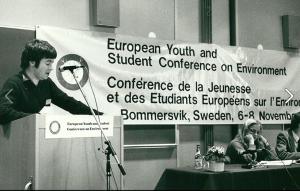 Håkan på miljökonferens 1981 (Anna Lindh t h)